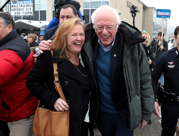 Manchester - New Hampshire「Presidential Candidate Bernie Sanders Visits Polling Station On NH Primary Day」:写真・画像(16)[壁紙.com]