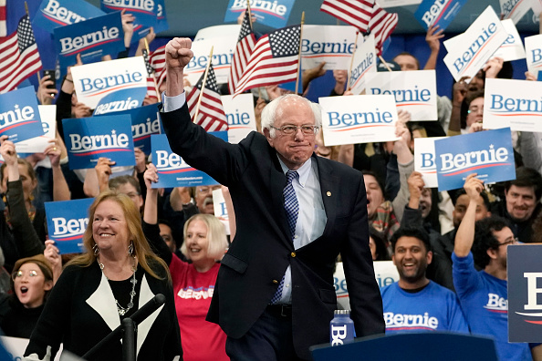 Manchester - New Hampshire「Presidential Candidate Bernie Sanders Holds NH Primary Night Event In Manchester」:写真・画像(12)[壁紙.com]