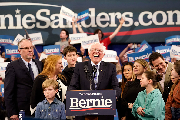 Manchester - New Hampshire「Presidential Candidate Bernie Sanders Holds NH Primary Night Event In Manchester」:写真・画像(8)[壁紙.com]