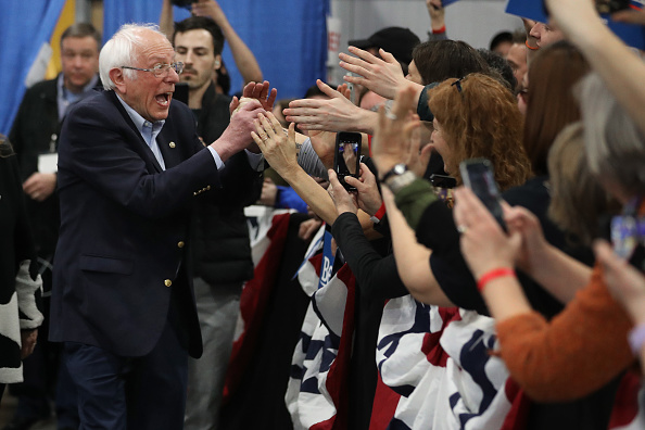 Post - Structure「Presidential Candidate Bernie Sanders Holds Super Tuesday Night Rally In Vermont」:写真・画像(0)[壁紙.com]
