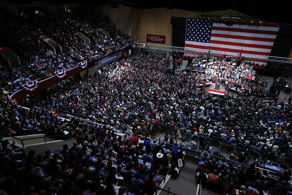 Utah「Presidential Candidate Bernie Sanders Campaigns Across U.S. Ahead Of Super Tuesday」:写真・画像(14)[壁紙.com]