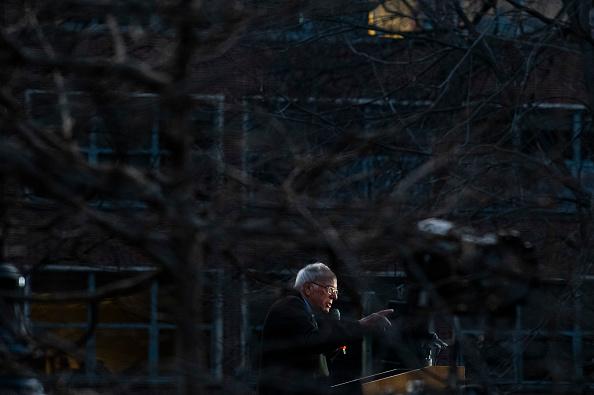 Incidental People「Presidential Candidate Bernie Sanders Campaigns Across Michigan Ahead Of Primary」:写真・画像(14)[壁紙.com]