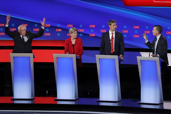 Debate「Democratic Presidential Candidates Debate In Detroit Over Two Nights」:写真・画像(11)[壁紙.com]