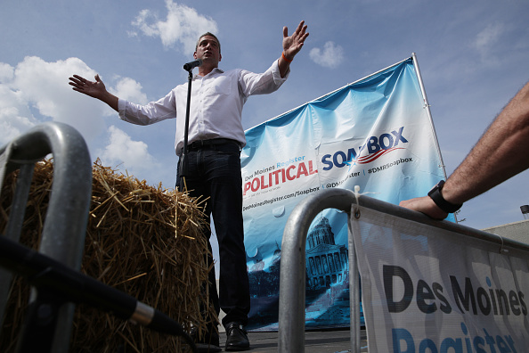 Alex Wong「Presidential Candidates Hit The Soapbox At The Iowa State Fair」:写真・画像(19)[壁紙.com]
