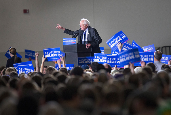 US Democratic Party 2016 Presidential Candidate「Bernie Sanders Holds Campaign Rally In Madison, Wisconsin」:写真・画像(10)[壁紙.com]