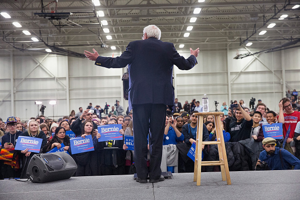 US Democratic Party 2016 Presidential Candidate「Democratic Candidate Bernie Sanders Campaigns In Michigan Ahead Of State's Primary」:写真・画像(16)[壁紙.com]