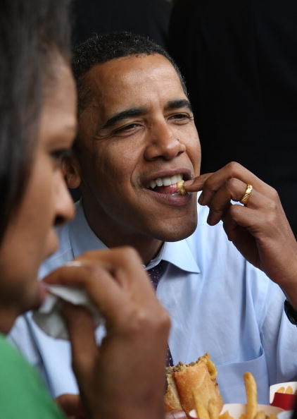 Eating「Barack Obama Campaigns In Remaining Primary States」:写真・画像(0)[壁紙.com]