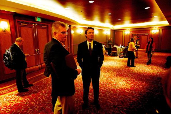 Behind「John Edwards Gets Union Endorsement In L.A」:写真・画像(11)[壁紙.com]