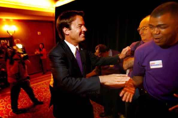 Behind「John Edwards Gets Union Endorsement In L.A」:写真・画像(12)[壁紙.com]
