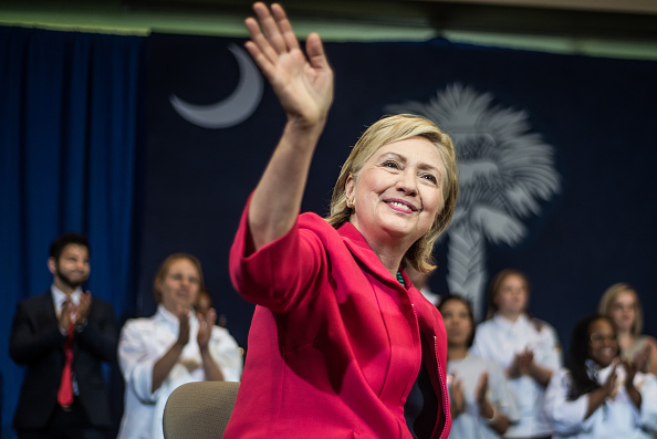 2016 United States Presidential Election「Democratic Presidential Candidate Hillary Clinton Campaigns In South Carolina」:写真・画像(18)[壁紙.com]
