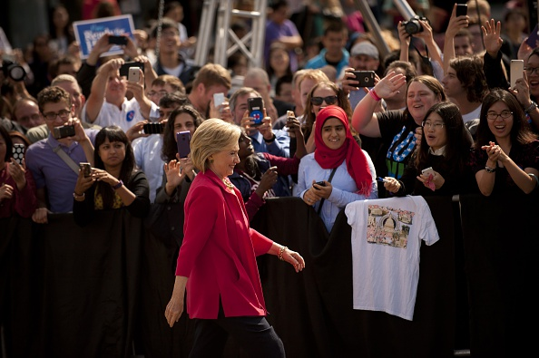 Guest「Hillary Clinton Holds Grassroots Organizing Meeting In Cleveland, Ohio」:写真・画像(13)[壁紙.com]