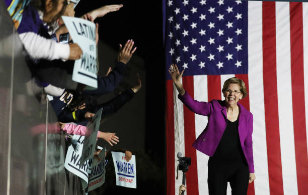 Democratic Presidential Candidate Elizabeth Warren Gives Campaign Speech In East Los Angeles Day Before Super Tuesday:ニュース(壁紙.com)