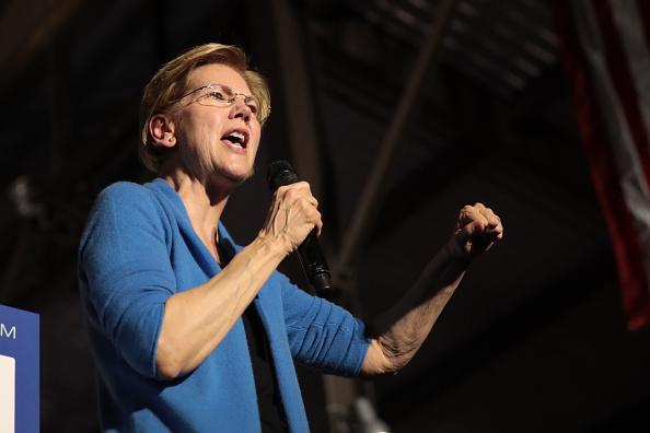 政治と行政「Democratic Presidential Candidate Elizabeth Warren Holds Super Tuesday Night Event In Detroit」:写真・画像(15)[壁紙.com]