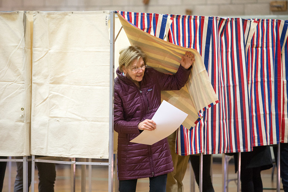 Super Tuesday「Presidential Candidate Elizabeth Warren Casts Her Vote In Massachuestts Primary On Super Tuesday」:写真・画像(19)[壁紙.com]