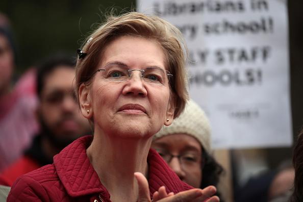 Politics and Government「Presidential Candidate Elizabeth Warren Visits Chicago Teachers On Strike」:写真・画像(5)[壁紙.com]