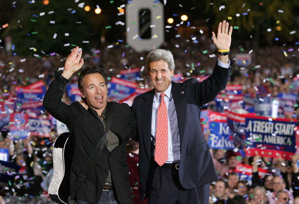 Justin Sullivan「Kerry Campaigns In Ohio And Wisconsin」:写真・画像(18)[壁紙.com]