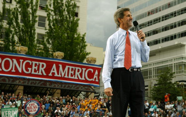 Oregon - US State「Democratic Presidential Candidate John Kerry Campaigns」:写真・画像(4)[壁紙.com]
