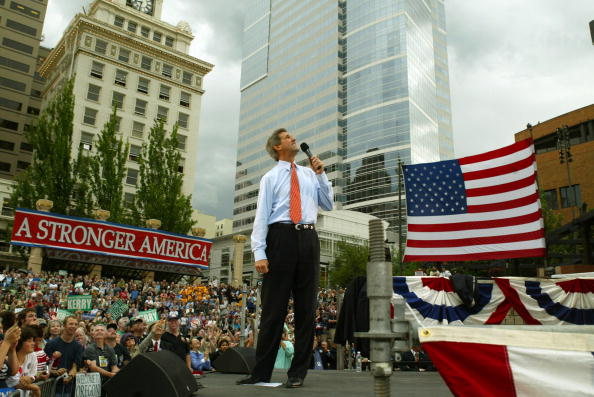 Oregon - US State「Democratic Presidential Candidate John Kerry Campaigns」:写真・画像(7)[壁紙.com]