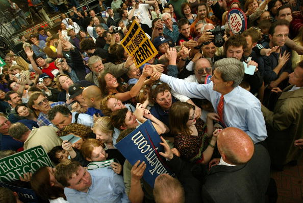 Oregon - US State「Democratic Presidential Candidate John Kerry Campaigns」:写真・画像(5)[壁紙.com]
