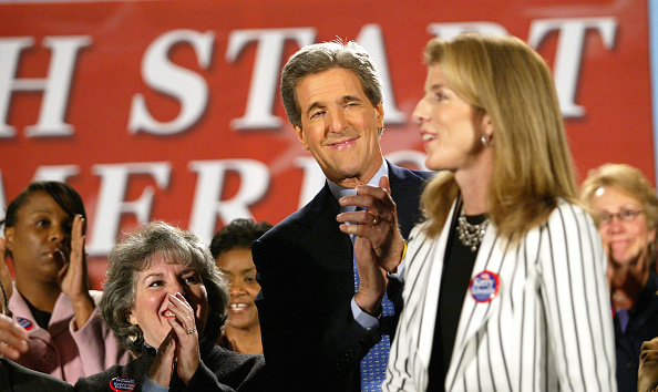 Strategy「Kerry Campaigns In Wisconsin, Nevada And Colorado」:写真・画像(8)[壁紙.com]