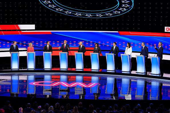 Debate「Democratic Presidential Candidates Debate In Detroit Over Two Nights」:写真・画像(19)[壁紙.com]