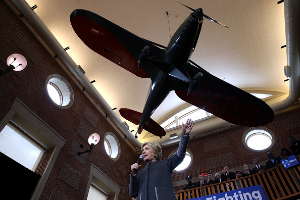 US Democratic Party 2016 Presidential Candidate「Hillary Clinton Campaigns Across U.S. Ahead Of Super Tuesday Primaries」:写真・画像(0)[壁紙.com]