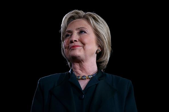 1人「Democratic Presidential Candidate Hillary Clinton Campaigns In Las Vegas」:写真・画像(12)[壁紙.com]