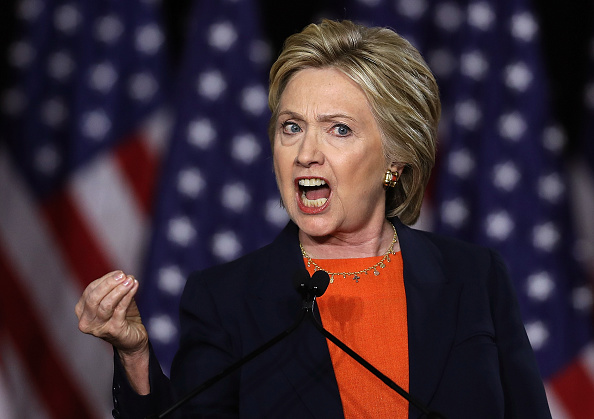 Security「Hillary Clinton Delivers National Security Address In San Diego」:写真・画像(6)[壁紙.com]