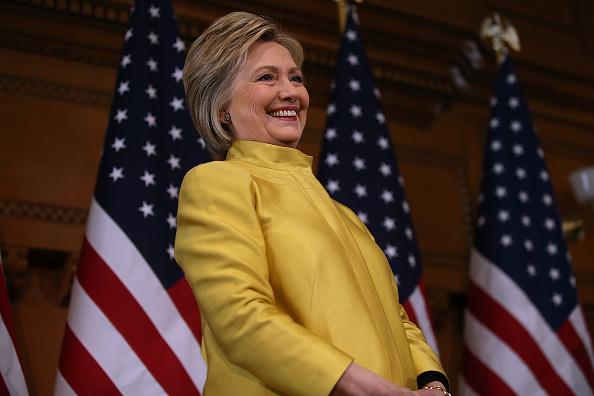 笑顔「Hillary Clinton Delivers Counterterrorism Speech At Stanford University」:写真・画像(19)[壁紙.com]
