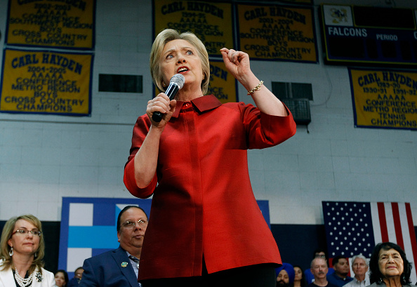 Super Tuesday「Hillary Clinton Campaigns In Phoenix One Day Before Arizona Primary」:写真・画像(0)[壁紙.com]