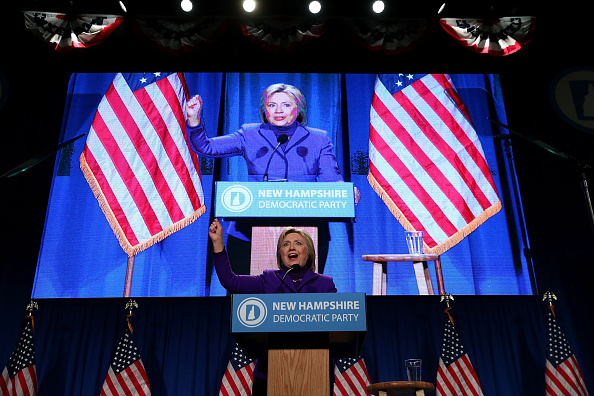 Politics and Government「Hillary Clinton Campaigns In New Hampshire Ahead Of Primary」:写真・画像(8)[壁紙.com]