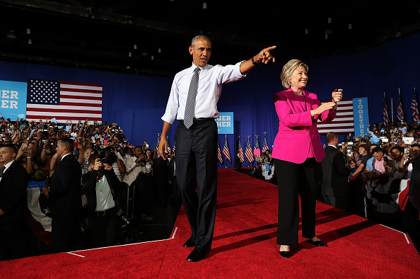 全身「President Obama Campaigns With Hillary Clinton In Charlotte」:写真・画像(16)[壁紙.com]