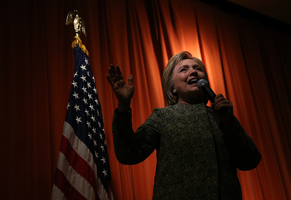 Super Tuesday「Democratic presidential candidate Hillary Clinton Campaigns In Florida」:写真・画像(16)[壁紙.com]