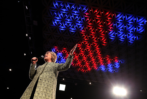 US Democratic Party 2016 Presidential Candidate「Democratic Presidential Candidate Hillary Clinton Campaigns In Florida」:写真・画像(3)[壁紙.com]