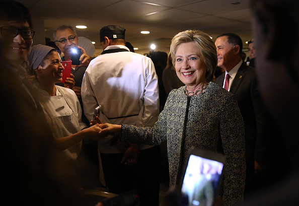 Super Tuesday「Democratic Presidential Candidate Hillary Clinton Campaigns In Florida」:写真・画像(2)[壁紙.com]