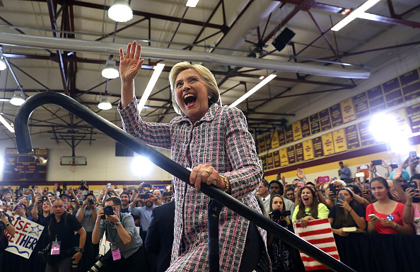 US Democratic Party 2016 Presidential Candidate「Hillary Clinton Campaigns In California's Bay Area Ahead Of State Primary」:写真・画像(6)[壁紙.com]