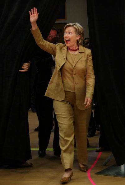 全身「Hillary Clinton Campaigns In Kentucky Ahead Of Primary」:写真・画像(14)[壁紙.com]