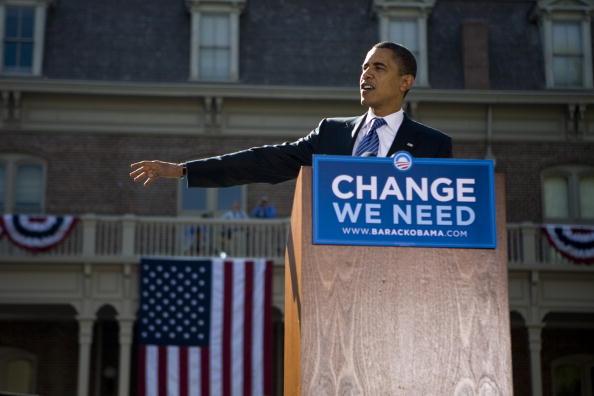Corporate Business「Barack Obama Campaigns In Reno」:写真・画像(2)[壁紙.com]