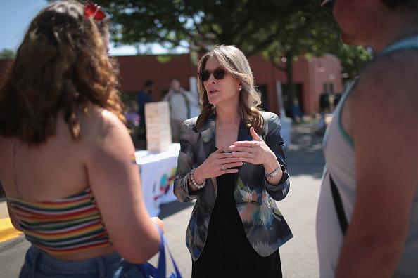 Des Moines - Iowa「Democratic Presidential Candidates Attend Capital City Pride Festivities Around Des Moines」:写真・画像(7)[壁紙.com]