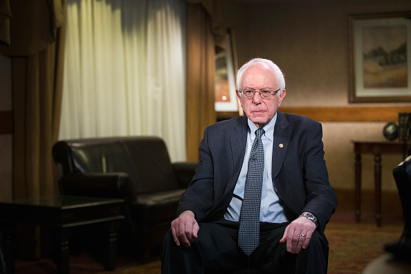 Bernie Sanders「Bernie Sanders Interviewed In Dubuque, Iowa」:写真・画像(9)[壁紙.com]