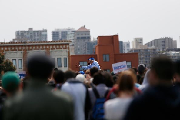 ベストショット「Democratic Presidential Candidate Bernie Sanders Holds Rally In San Francisco」:写真・画像(5)[壁紙.com]