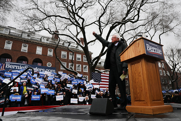 Socialist Party「Sen. Bernie Sanders Holds Campaign Rally At Brooklyn College」:写真・画像(0)[壁紙.com]