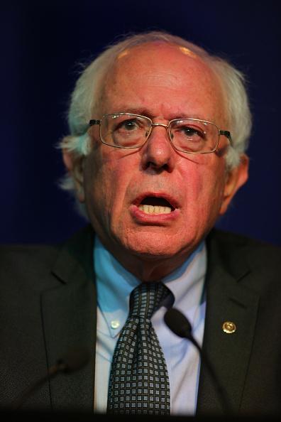 ヘッドショット「Democratic Presidential Candidates Speak At DNC Summer Meeting In Minneapolis」:写真・画像(6)[壁紙.com]