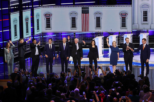 Topix「Democratic Presidential Candidates Participate In First Debate Of 2020 Election Over Two Nights」:写真・画像(18)[壁紙.com]