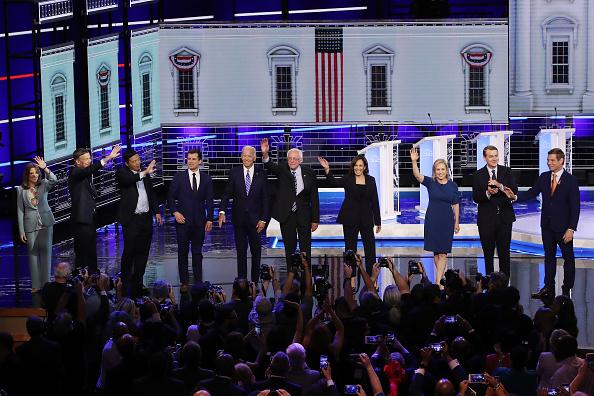 トピックス「Democratic Presidential Candidates Participate In First Debate Of 2020 Election Over Two Nights」:写真・画像(13)[壁紙.com]