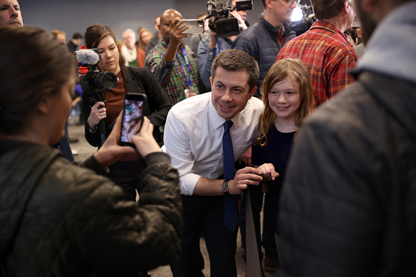 Win McNamee「Presidential Candidate Pete Buttigieg Campaigns In New Hampshire Ahead Of Primary」:写真・画像(12)[壁紙.com]