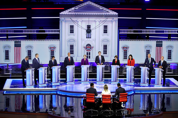 Democratic Party - USA「Democratic Presidential Candidates Participate In First Debate Of 2020 Election Over Two Nights」:写真・画像(13)[壁紙.com]