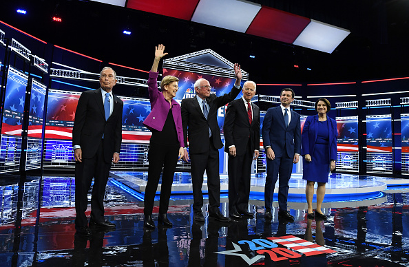 Debate「Democratic Presidential Candidates Debate In Las Vegas Ahead Of Nevada Caucuses」:写真・画像(4)[壁紙.com]