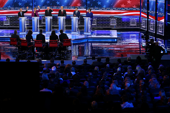 Las Vegas「Democratic Presidential Candidates Debate In Las Vegas Ahead Of Nevada Caucuses」:写真・画像(11)[壁紙.com]