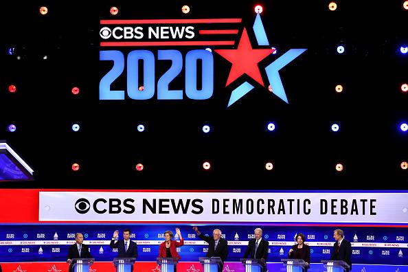 South Carolina「Democratic Presidential Candidates Debate In Charleston Ahead Of SC Primary」:写真・画像(13)[壁紙.com]